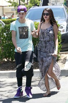 Selena Gomez and Justin Bieber have an uncomfortable sleepover.