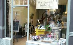The Small Factory is in Thessaloníki, Greece. Annie Sloan Stockists, Support Local Business, Annie Sloan Chalk Paint, Diy Crafts, Greece, Interiors, Home Decor, Tips, Shop