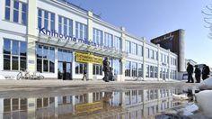 A new city library in Hradec Králové. The former factory is a new library. Czech Republic. Knihy v továrně – okouzlení industriálním prostorem i místo pro děti — Regiony — ČT24 — Česká televize