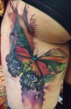 Татуировка на бедре и частично на попе