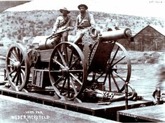 Boer Creusot 15 cm inch) field gun, one of the guns used at the Battle of Magersfontein on December 1899 War Novels, Crimean War, Cartoon Photo, King And Country, Tactical Survival, African History, British Army, American Civil War, Military History