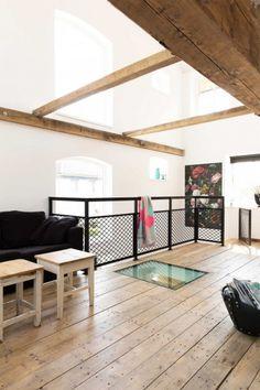 verriere-atelier-mezzanine-parquet-ancien-garde-corps-grillage-plafond-vitre