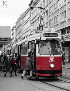 Straßenbahn in Wien Color Splash, Light Rail, Commercial Vehicle, Spacecraft, Street Photography, New York City, Transportation, Automobile, Train