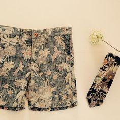 Short Hawaii // Corbata Hawaii www.bowandarrow.com.ar #fashionboys #instaboys #kidsfashion