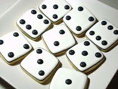 bite size game night dice cookies essbares ohne allzu viel aufwand in der k che pinterest. Black Bedroom Furniture Sets. Home Design Ideas