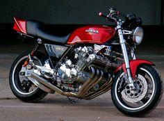 I had a pearl white one! My favorite bike ever! Motos Kawasaki, Motos Honda, Honda Bikes, Kawasaki Motorcycles, Honda Cb750, Motos Vintage, Vintage Bikes, Vintage Motorcycles, Custom Motorcycles