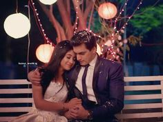 YRKKH: Kartik enter Singhania house like thief robbing away Naira Perfect Couple, Beautiful Couple, Best Love Stories, Love Story, Bollywood Celebrities, Bollywood Actress, Kartik And Naira, Kaira Yrkkh, Cutest Couple Ever