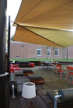 zonnezeilen horeca terras, waterdicht op maat gemaakt ideaal voor grote terrassen.