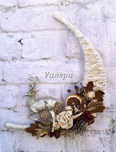 Поделка изделие Новый год Ассамбляж Новогодняя рождественская композиция - украшение на дверь Жёлуди Материал природный Шишки Шпагат фото 1
