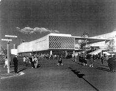 Pabellón Brasilero de 1939. Nueva York  Lucio Costa & Oscar Niemeyer  http://www.plataformaarquitectura.cl/2012/09/04/clasicos-de-arquitectura-pabellon-brasilero-de-1939-en-nueva-york-lucio-costa-oscar-niemeyer/#
