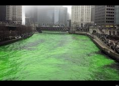 Chicago River goes green for St. Patty's Day!