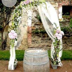 Arche de cérémonie Mariage - Décoration cérémonie Laique Mélanie Miguel Décoratrice Florale www.ateliermiguel.com