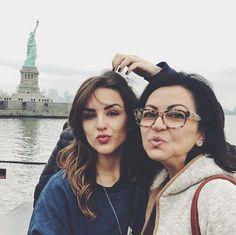 Mais uma #mamãe super #estilosa !! #óculos #miumiu ✨✨✨ #kefera #maedeblogueira #moda #ny #oculosdegrau #diadasmaes #maeeuteamo