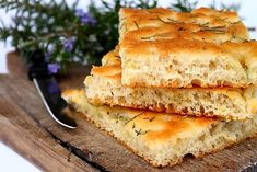 This focaccia bread recipe is one of my favorite Italian bread recipes. If you cook Italian food you will love this savory bread. Italian Bread Recipes, Focaccia Bread Recipe, Rosemary Focaccia, Great Recipes, Favorite Recipes, Bread Ingredients, Stuffed Peppers, Ethnic Recipes, Bread Baking