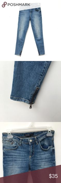 Zara Medium Wash Jeans Hardly worn medium-wash blue Zara jeans. Has a zipper on one pocket in the front, and a zipper on the bottom of each pant leg. Zara Jeans Skinny