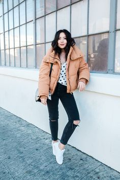 How To Wear Puffer Jacket? 31 Chic Outfits With Puffer Jackets Casual Winter Outfits, Chic Outfits, Fall Outfits, Fashion Outfits, Socks Outfit, Coat Outfit, Fashion Week, Winter Fashion, Coats For Women