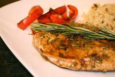 AllThingsNice.ca: Rosemary balsamic chicken & red peppers (http://allthingsnice.ca/2013/06/01/recipe-rosemary-balsamic-chicken-with-red-peppers/)
