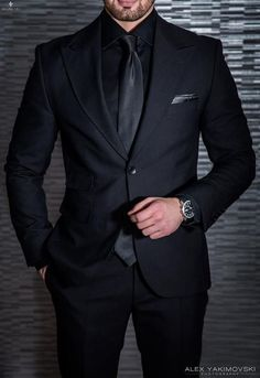 Mens Fashion Suits, Mens Suits, Groomsmen Suits, Guys In Suits, Formal Suits For Men, Groomsmen Attire Black, Mens Tux, Mens Casual Suits, Best Suits For Men