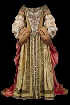 Lart du costume à la Comédie-Française 17th Century Clothing, 17th Century Fashion, Mode Renaissance, Renaissance Fashion, Renaissance Dresses, Historical Costume, Historical Clothing, Baroque Fashion, Vintage Fashion