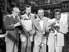 Tommy Dorsey, Charlie Barnet, Lionel Hampton & LouisArmstrong  A Star Is Born  1948