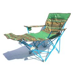 EnglishFrançais Here is one of our favourite design of the year. With a colorful design and an inclinable «Lay-Z-Boy Style Outdoor Chairs, Outdoor Furniture, Outdoor Decor, Z Boys, Camping Chairs, Camping Stuff, Folding Chair, Boy Fashion, Design