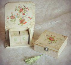 """Набор """"Деликатные розочки"""",вечный календарь и шкатулка для украшений, в продаже"""