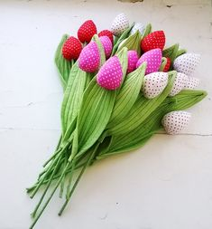 Тюльпаны из ткани.