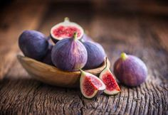9 ways to get the best out of coconut oil in winters Sunday Recipes, Holiday Recipes, Health Benefits Of Figs, Fig Pudding, Fruit List, Most Nutritious Foods, Fresh Figs, Antioxidant Vitamins, Palm Sunday