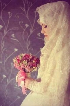 . Hijabi Wedding, Wedding Hijab Styles, Muslimah Wedding Dress, Arab Wedding, Muslim Wedding Dresses, Dream Wedding Dresses, Bridal Hijab, Hijab Bride, Moslem