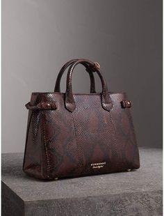 Best Handbags, Fashion Handbags, Purses And Handbags, Fashion Bags, Style Fashion, Burberry Handbags, Leather Handbags, Leather Bag, Burberry Bags