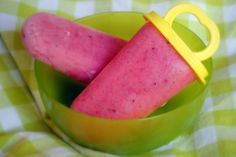 Strawberry Daiquiri Popsicles - Jaime Oliver's Food Revolution Winner. Recipe included.