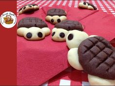 Kaplumbağa kurabiye tarifi | Şekilli kurabiye nasıl yapılır - YouTube Viking Tattoo Design, Sunflower Tattoo Design, Homemade Beauty Products, Foot Tattoos, Cookies, Chocolate, Desserts, Youtube, Food