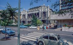 Budapest,- A Vigadó tér az években. Historical Pictures, Budapest, Old Photos, Street View, Retro, Vw, Old Pictures, Vintage Photos, Retro Illustration