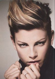 We will find the coolest Hairstyles from all over the world  Team www.menschenimsalon.de