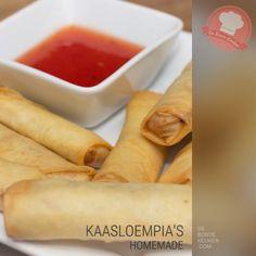 DeBonteKeuken: Kaasloempia's (makkelijk, simpel, snack, borrelhapje, pittige kaas, filodeeg, ei, chilisaus, kaasstengels, frituur)