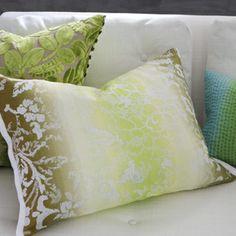 samtkissen i stoff designers guild calaggio peony sofakissen deko kissen. Black Bedroom Furniture Sets. Home Design Ideas