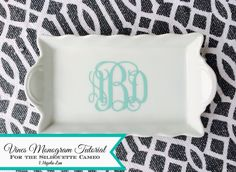 Don't buy a $20 Vines font!  Use this easy Silhouette CAMEO tutorial to create interlocking monograms using a $1.99 phone app.  Also gives directions for creating round monograms using the same process. Would also work with other vinyl cutters that allow you to import your own jpg images.
