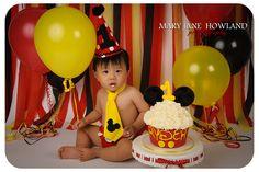 Smash the Cake Photoshoot, Mickey Mouse Cake, Mickey Mouse Birthday Ideas, Mickey Mouse, Mickey Mouse theme, Mickey Mouse Cake, Mickey Mouse PhotoShoot, Mickey Mouse Themed Smash the Cake Session, Child Photography