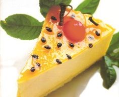Flan de Maracuyá Dessert Cake Recipes, Desserts, Colombian Cuisine, Cheesecake, Savory Pastry, Delicious Deserts, Delicious Meals, Sweet Cakes, Mini Cakes