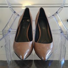 Boutique 9 patent leather nude pumps Really cute nude patent leather shoes worn twice. Boutique 9 Shoes Heels