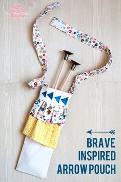 Create a Brave-Inspired Arrow Pouch for your own little Merida with this tutorial from SweetRoseStudio.com!