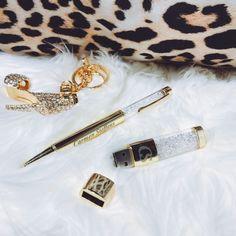 e7b3e45e8 Chaveiro em cristais, caneta com cristais e pen drive Carmen Steffens! um  luxo!