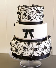 Beautiful Cake Pictures: Pretty Black Scroll Work Wedding Cake: Black and White Cakes, Cakes With Scroll Work, Wedding Cakes