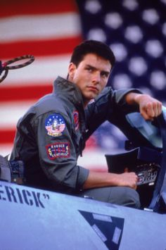 Here is the young Tom Cruise in Top Gun an old film where he played Maverick Best Man Movie, I Movie, Movie Stars, Movie Trivia, Movie Facts, Top Gun, Tommy Boy, Hollywood Stars, Beloved Movie