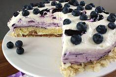 Zubereitungszeit: 60 Min. Backzeit: 30 Min. Kühlzeit: 5 Stunden Zutaten für ein 24cm Torte: Bröselboden: 100 g Amarettini 100 g Mandelb...
