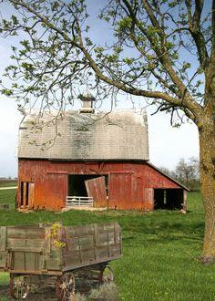 ˚100 Year Old Farm - Iowa