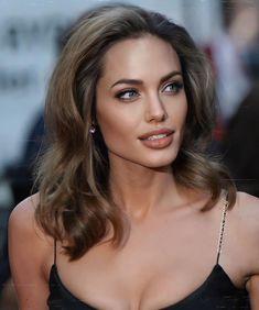 Angelina Jolie Makeup, Angelina Jolie Photos, Angelina Jolie Blonde, Hair Inspo, Hair Inspiration, Most Beautiful Women, Beautiful People, Beautiful Celebrities, Beauté Blonde