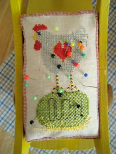 Mosey n Me pincushion freebie