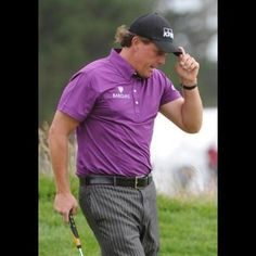 """Phil Mickelson has been treated for arthritis that surfaced just before the U.S. Open and left him in so much pain he couldn't walk.  Mickelson revealed he has psoriatic arthritis, which causes his immune system to attack his joints and tendons. He noticed the first symptoms five days before the U.S. Open, and the pain eventually got so bad he made a visit to the Mayo Clinic.  """"I'm surprised at how quickly it's gone away, and how quickly it's been able to be managed a..."""