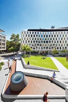 Article by Joanna Łaska – UTS Alumni Green by ASPECT Studios, in UTS City Campus, Ultimo, Sydney, NSW, Australia